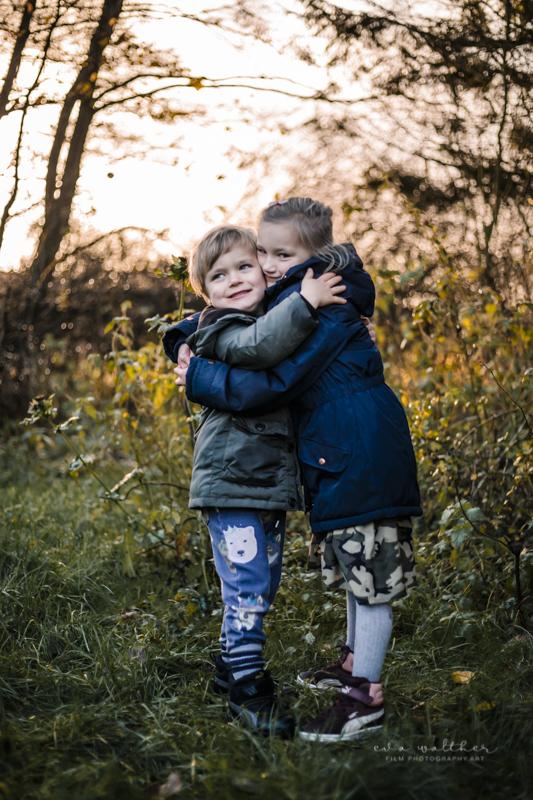 familiefotografering-bror-og-soester