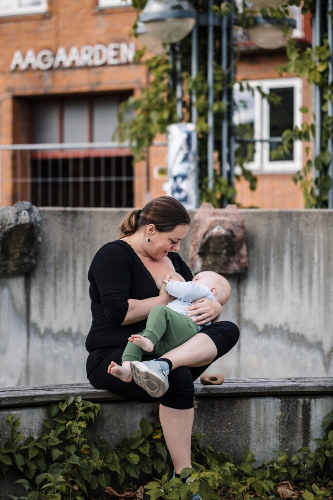 fotoprojekt-boob-rights-normaliser-amning-motherhood-eva-walther